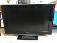 """Panasonic 32"""" TV (TX-32LZ85, with original remote control and operating instructions)"""