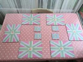 Pretty shabby chic set of placemats and coasters