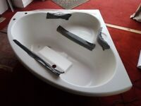 CORNER BATH BRAND NEW NEVER BEEN FITTED STILL HAS PLASTIC PROTECTION FITTED