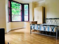 5 BEDROOM HOUSE! 1 RECEPTION! FOREST GATE! AVAILABLE NOW!