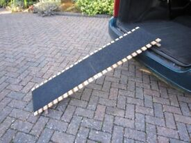 PORTABLE WOODEN PET RAMP NEARLY NEW