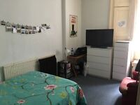 Large room in Holloway for rent