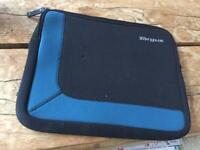 Targus Neoprene Laptop / iPad Case