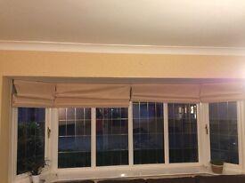 4 CREAM/BEIGE ROMAN BLINDS SUITABLE FOR BAY WINDOW