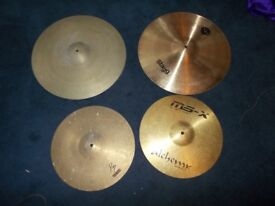 4 CYMBALS 2X 20 INCH RIDE . 1X 16 INCH CRASH . I TOP HAT