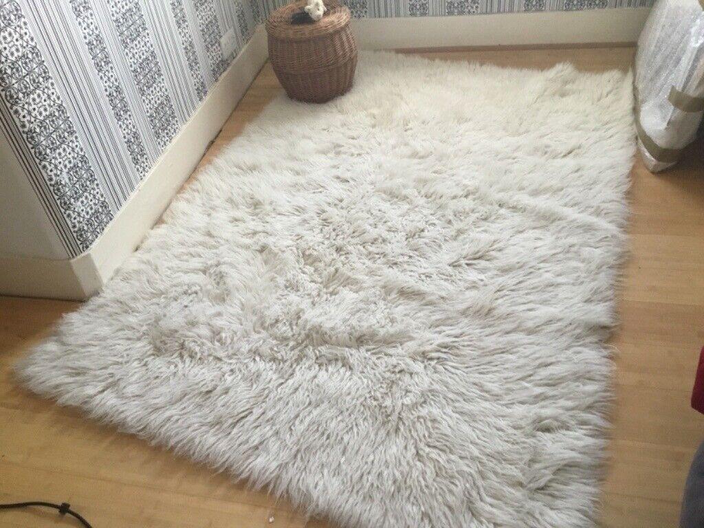 100% wool Flokati rug | in Lewisham