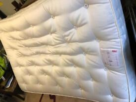 Marks & Spencer Comfort 1500 - excellent condition