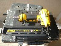Dewalt Air Nailer (D51256K)