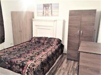Aldgate East Double/single room £160