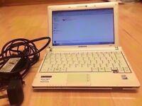 ACER NP-NC10 White NETBOOK / INTEL ATOM 1.60 GHz / 160 GB HDD / 1 GB RAM / WINDOWS 7