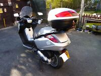 PEUGEOT 500cc scooter.