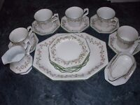 23 PIECES OF ETERNAL BEAU CHINA INCLUDING TEAPOT & COFFEE POT VGC