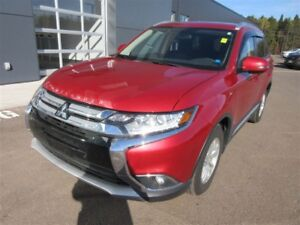 2017 Mitsubishi Outlander SE! 4X4! ALMOST NEW! B-UP CAM! ALLOY!