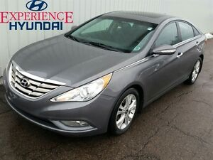 2011 Hyundai Sonata Limited LIMITED EDITION WITH SUNROOF AND AC!