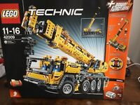 Lego Crane 42009 (perfect condition-unopened)