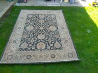 Large traditional patterned rug 170x230cm