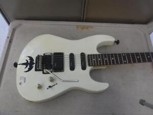B.C Rich Electric Guitar for sale. We buy and sell used goods. 114853 CH619404