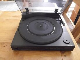 TRIO-KENWOOD P-5X direct drive linear tracking turntable
