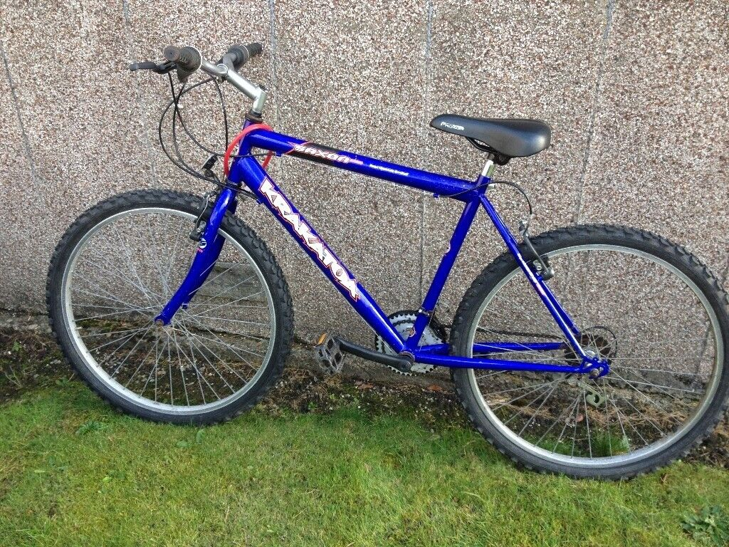 MENS/BOYS MOUNTAIN BIKE, IN VERY GOOD CONDITION, 18 gears, 26 inch wheels, 19 inch frame,