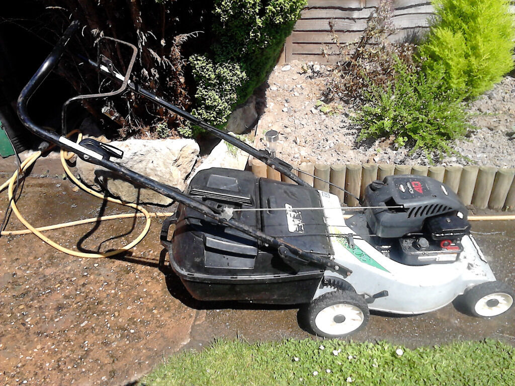 BRIGGS AND STRATTON MASPORT QUATRO 40 PETROL MOWERin Taunton, SomersetGumtree - BRIGGS AND STRATTON MASPORT QUATRO 40 PETROL MOWER 4 STROKE RUNS AND CUTS VERY WELL FRESHLY SHARPENED BLADE COLLECTION ONLY