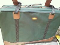 SALE! SUITCASE ONLY £15