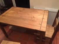 Kitchen table (Comes with 4 chairs)