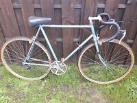 Men's vintage racer, road bike. 58cm frame. 5 speed. New bar grips.