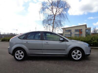 FORD FOCUS 1.6 ZETEC 2005 6 MONTHS MOT WITH FULL SERVICE HISTORY-ALLOYS CD AIR CON-WE CAN DELIVER 2U