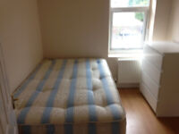 053T-WEST KENSINGTON, MODERN ONE BEDROOM FLAT, BILLS INCLUDED - £270 WEEK