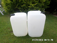 "DRUMS ""20 AND 25 LITRE ,,,, CLEAR ,"