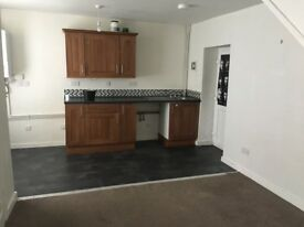 Small 2 bed house to let
