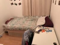 3 Rooms Same House!! Central London in 30 Minutes!! Grove Park, Lewisham.