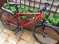 """Men's 18"""" Feud bike ride inc free lights and delivery"""