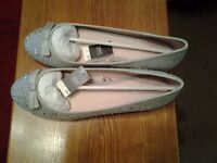 Ladies size 6 flat silver sparkly shoes