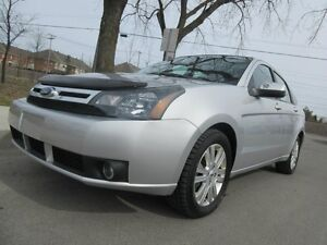 2011 Ford Focus SES, toit/cuir/mags.....super propre