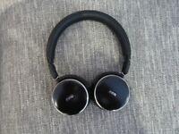 AKG N60 Wireless/Bluetooth/noise cancelling headphones.