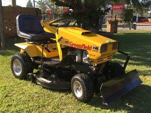 "Greenfield FASTCUT Series 32"" Ride on mower catcher & dozer blade Kallangur Pine Rivers Area Preview"