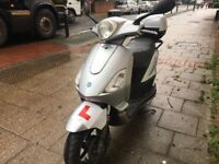 PIAGGIO FLY 125cc not vespa 2009 hpi clear excellent commuting good for delivery!!