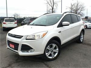 2016 Ford Escape SE**NAVIGATION**BACK UP CAMERA**SUNROOF**BLUETO