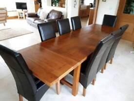 Oak dining table an chaors