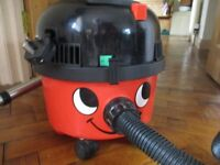 Henry 200 Vacuum Cleaner