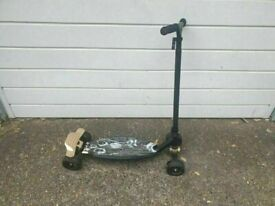 OXELO STUNSTREET KIDS SCOOTER - WITH BRAKE GOOD CONDITION AND FULLY WORKING