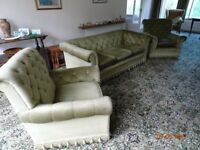 3 piece suite with 3 seater soffa in light green draylon in good condition buyer collect (Kenilworth