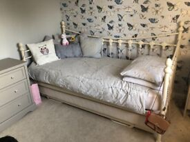 Julian Bowen Daybed & Guest bed