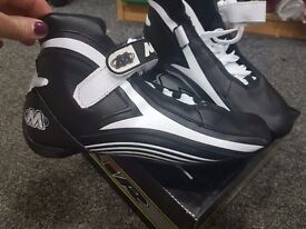 BOYS GO KART BOOTS MiR size 39. Black and White... BRAND NEW NEVER WORN