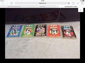 5 x Kids books spy dogs