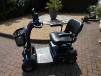 Luxury mid size mobility scooter