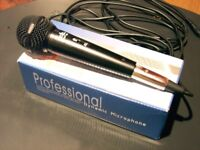 VOCAL MICROPHONE, NEW. STARSINGER PRO DYNAMIC MP706 MODEL. CLIP ON ON CABLE. EXCELLENT CRISP SOUND.