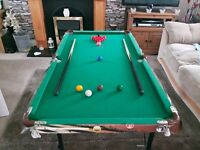 Children's Pool/Snooker Table. Excellent condition hardly used full set of pool and snooker balls