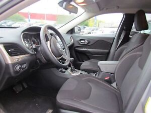 2016 Jeep Cherokee North | 4X4 | ONE OWNER | BLUETOOTH London Ontario image 8